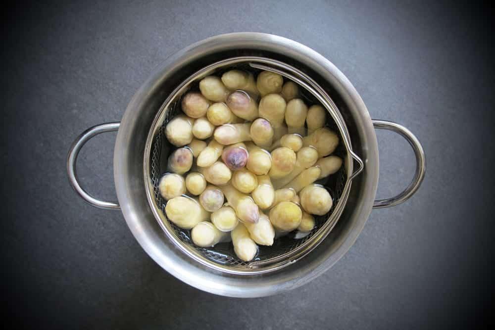 Wie koche ich spargel wie sch le ich ihn und bewahre ihn auf miomente entdeckermagazin - Richtig spargel kochen ...