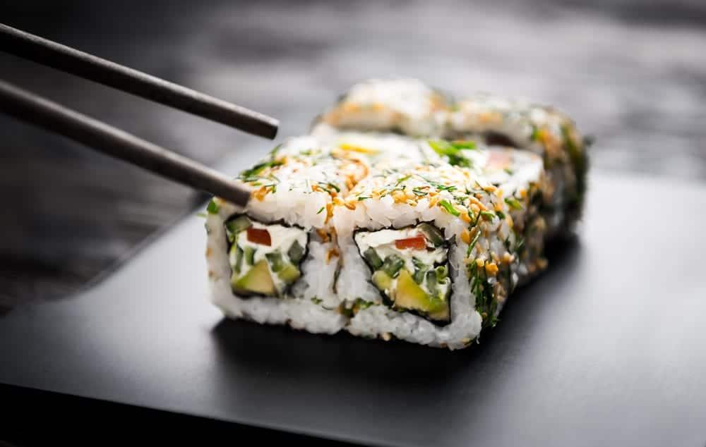 sushi sushi selber machen step by step miomente entdeckermagazin miomente entdeckermagazin. Black Bedroom Furniture Sets. Home Design Ideas