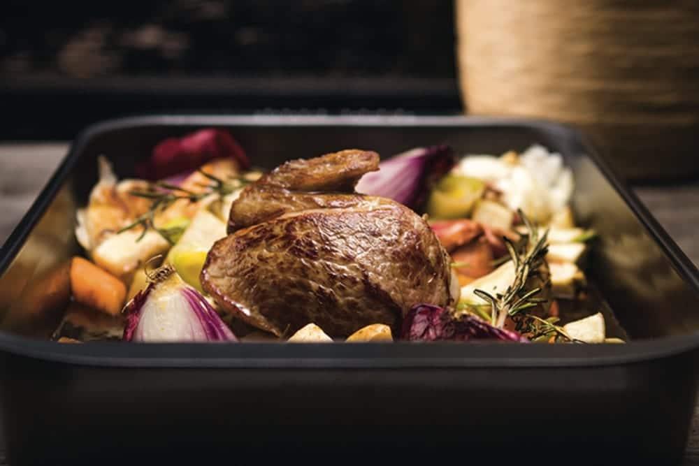Rezepte von unserem Miomente-Koch Christian Senff: Kastenbrioche mit saftigem Nougat-Kern und Nougat-Kalbsbacke mit knackigem Gemüse | Miomente Entdeckermagazin