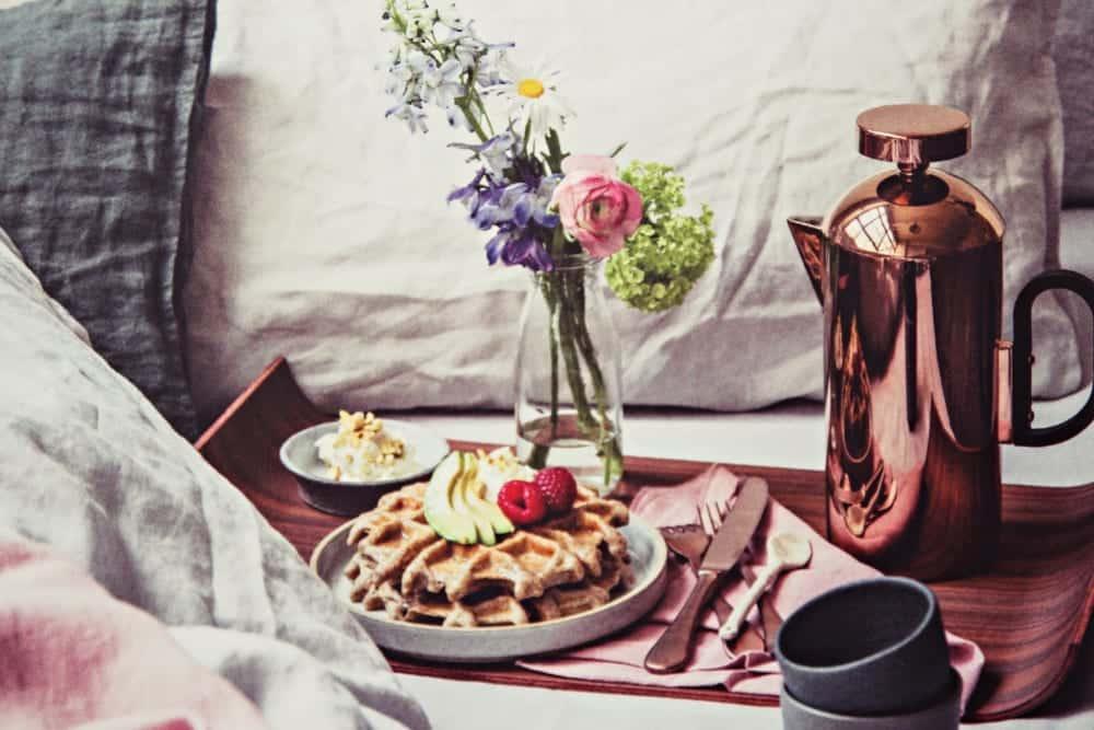 unser buchtipp stay for breakfast miomente entdeckermagazin. Black Bedroom Furniture Sets. Home Design Ideas
