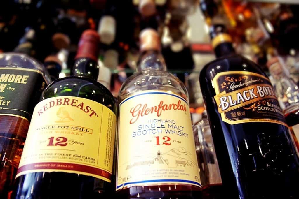 Whisky und Whiskey - die Unterschiede zwischen Single Malts und amerikanischen Bourbons