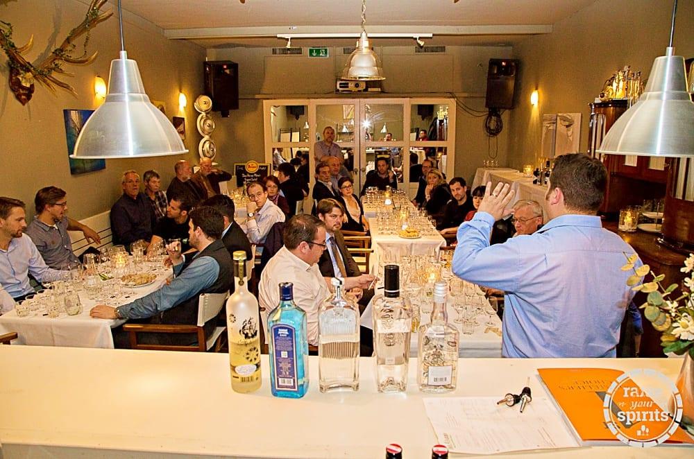 Spirituosen-Verkostungen in Wien –Erhard Ruthner lädt in die Welt von Whisky und co ein   Miomente Entdeckermagazin