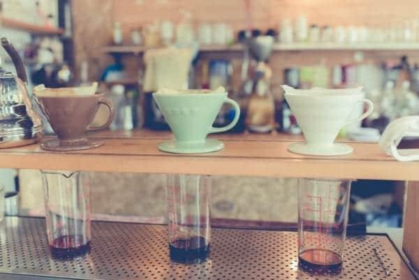 Cold Brew Coffee Zubereitung mit Handfilter