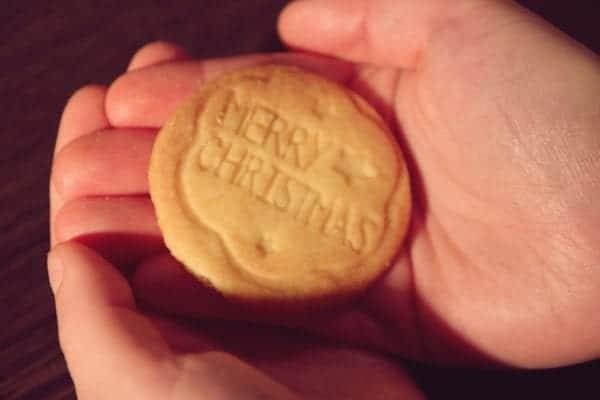 Miomente Weihnachtsrezepte für Cookies: Fertiger Keksstempel-Cookie
