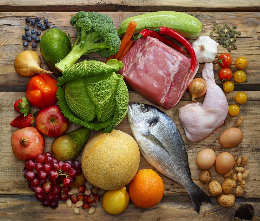 Der Paleo-Speiseplan: Gemüse, Nüsse, Eier, Fleisch und Fisch
