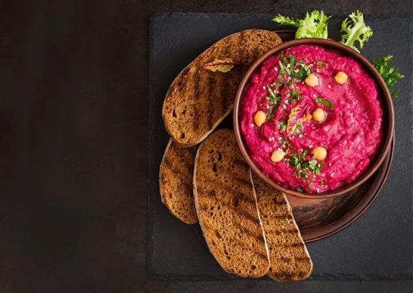 Rote-Bete-Hummus Entdeckermagazin Miomente