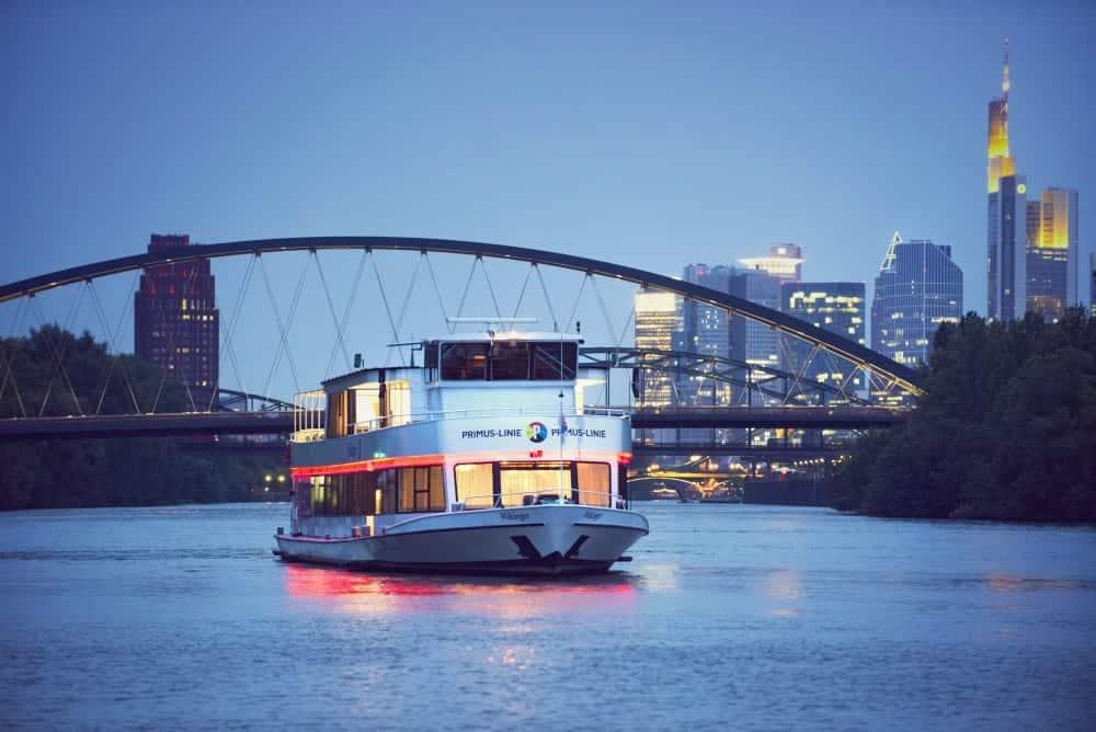 Kulinarische Schifffahrt in Frankfurt mit der Primus-Linie