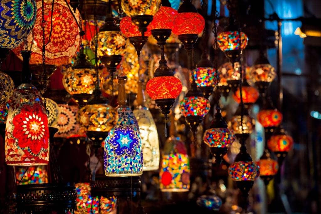 Orientalischer Basar - hier findet man die schönsten Tajinen