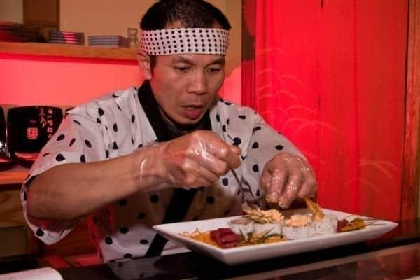 Sushi richtig zu essen erfordert Wissen und Übung