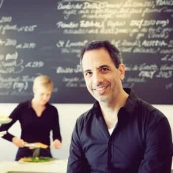 Kochbuchautor Yotam Ottolenghi von NOPI - das Kochbuch - DK Verlag - Entdeckermagazin Miomente