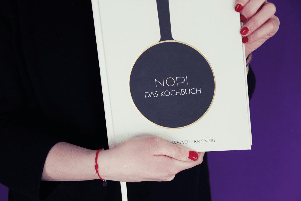 Das Kochbuch NOPI von Yotam Ottolenghi und Ramael Scully erschienen im DK Verlag - Entdeckermagazin Miomente