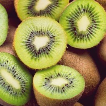 Rezept für Mini-Obst-Törtchen - Kiwi   Miomente Entdeckermagazin