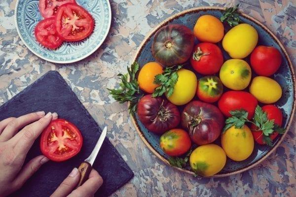 Saisonale Kochkurse - bunte Tomaten - Entdeckermagazin - Miomente