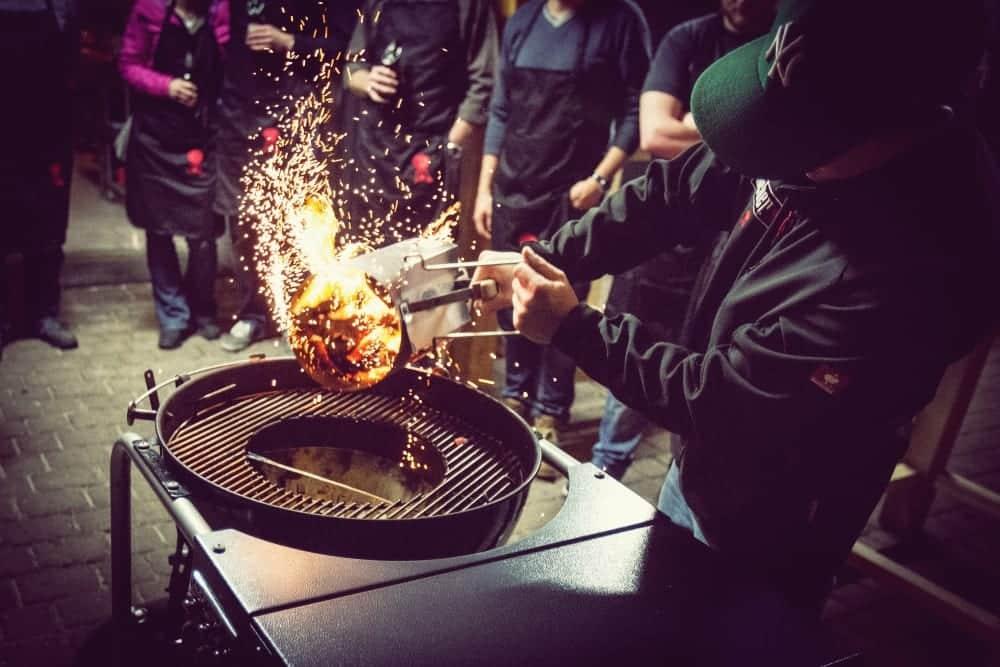 Feurige Grillkurse bei Giovanni Chiaradia im Ruhrgebiet - Steaks grillen in der Kochwerkstatt Ruhrgebiet| Miomente Entdeckermagazin