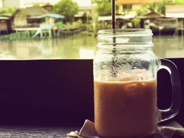 Thai - Latte - Eiskaffee mit Kokosmilch - Entdeckermagazin - Miomente