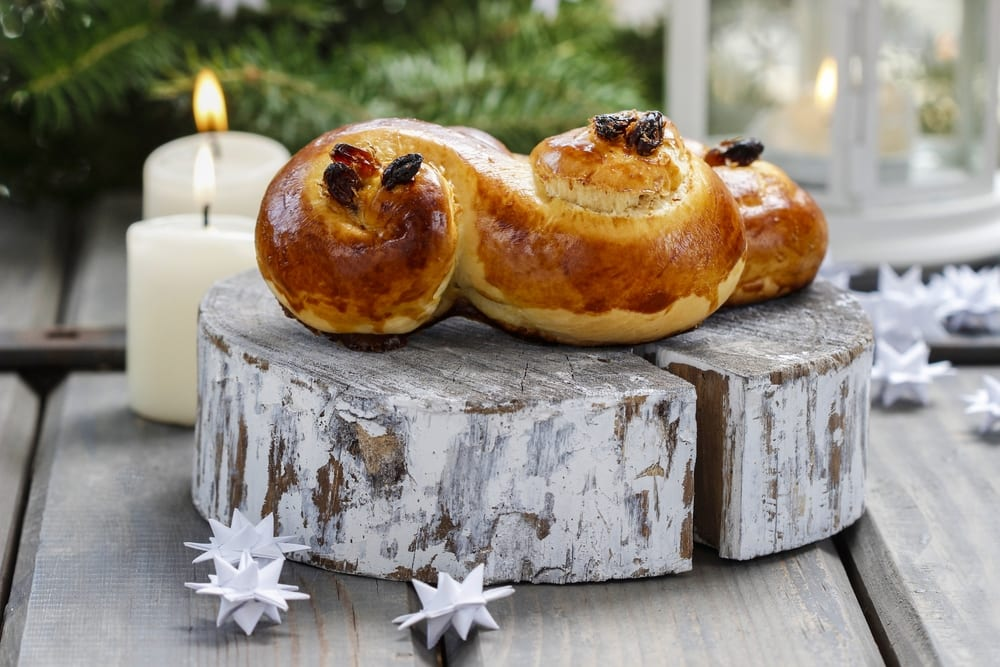 Traditionelles Weihnachtsgebäck.Originalrezept Für Schwedische Lussekatter Mit Safran Miomente