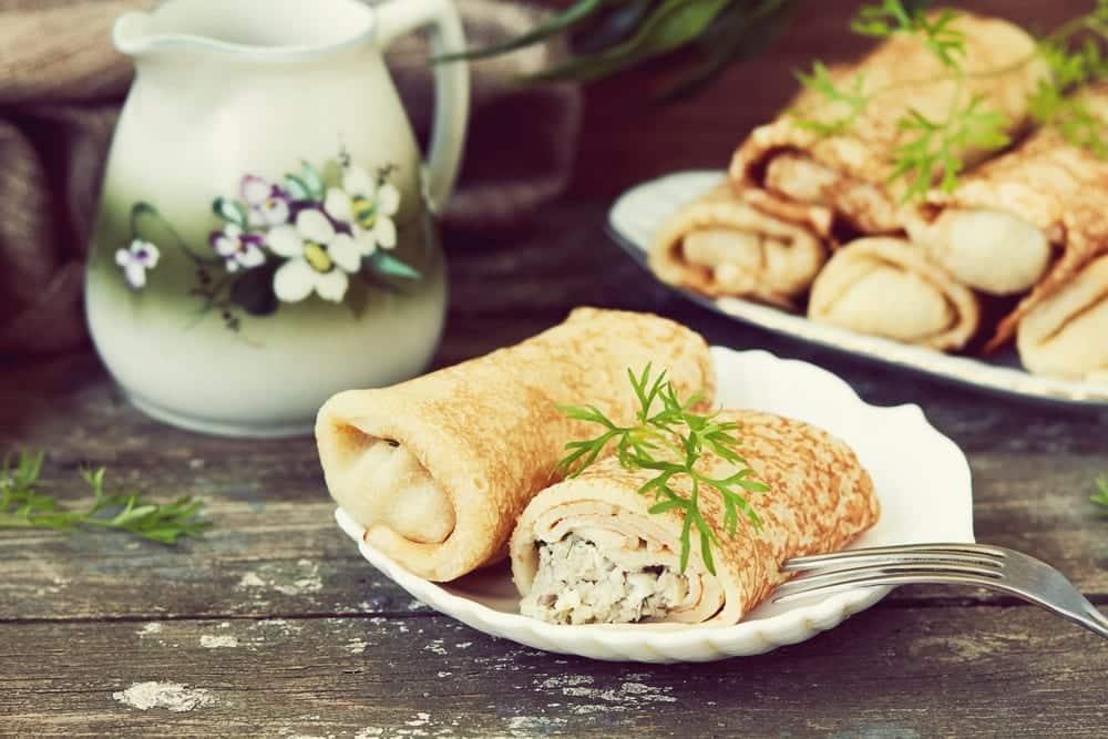 Wie mache ich Pfannkuchen? Eine Schritt für Schritt-Anleitung - gefüllte Pfannkuchen -Entdeckermagazin - Miomente