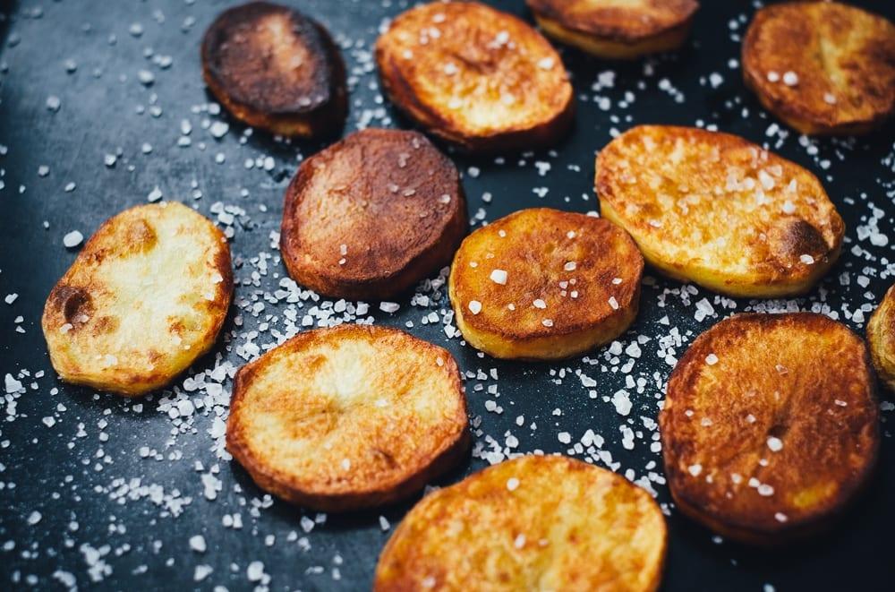 So werden Bratkartoffeln besonders knusprig