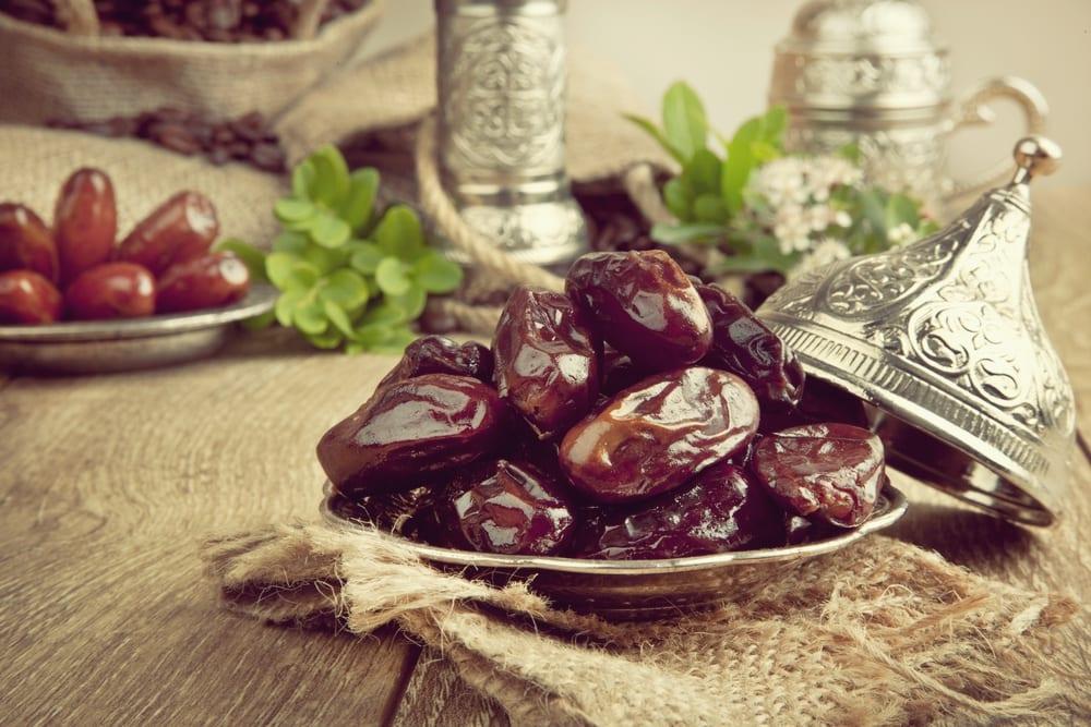 Rezept Avocado-Limetten-Cheesecake - Paleo - Clean-Eating- Datteln - Entdeckermagazin - Miomente