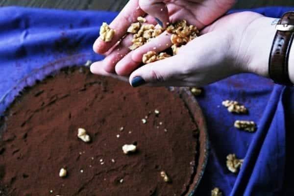 Rezept für einen saftigen Schokoladekuchen mit roter Bete, Feigen und Walnüssen –Rezept für Clean Eating oder Paleo | Miomente Entdeckermagazin