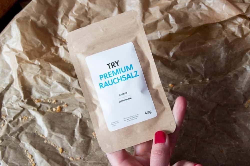 5. Salz: Premium Rauchsalz. Veredeltes Naturrauchsalz aus Dänemark. Das Meersalz wird 160 Stunden kalt über Buche geräuchert.