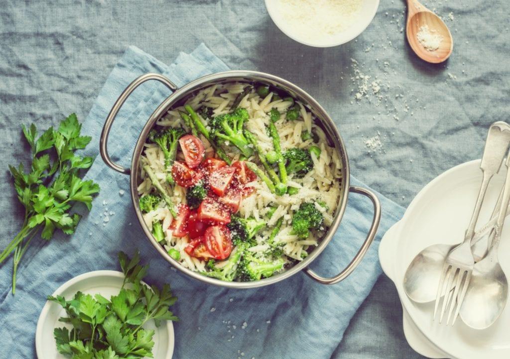 Spargel kochen - One-Pot-Pasta-rezept mit grünem Spargel Entdeckermagazin - Miomente