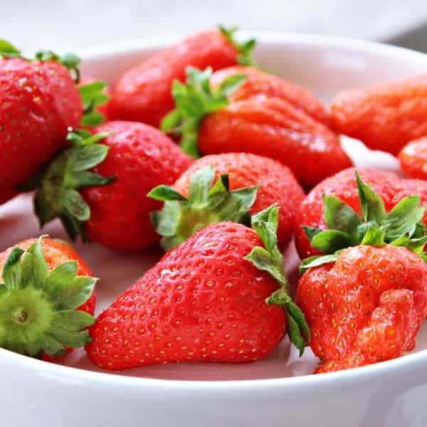 Eis selber machen: Erdbeeren - Entdeckermagazin Miomente