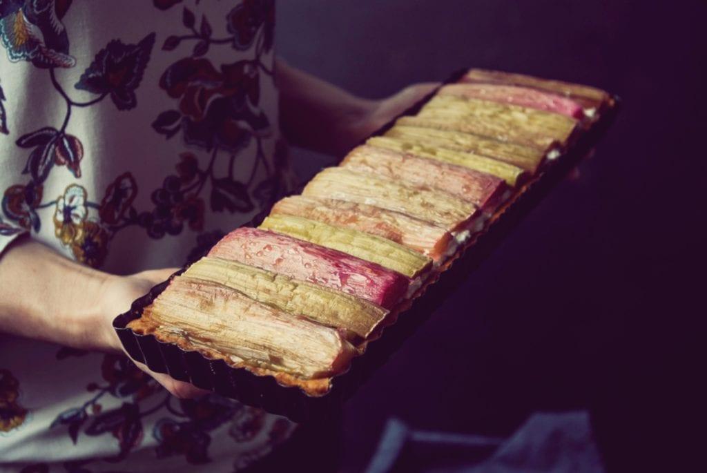 Rhabarber-Tarte in der Form - Blitz-rezept fürs Picknick - Entdeckermagazin - Miomente