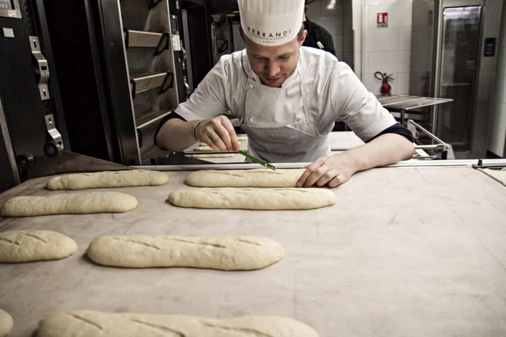 Julian Kutos macht Baguette | Entdeckermagazin Miomente