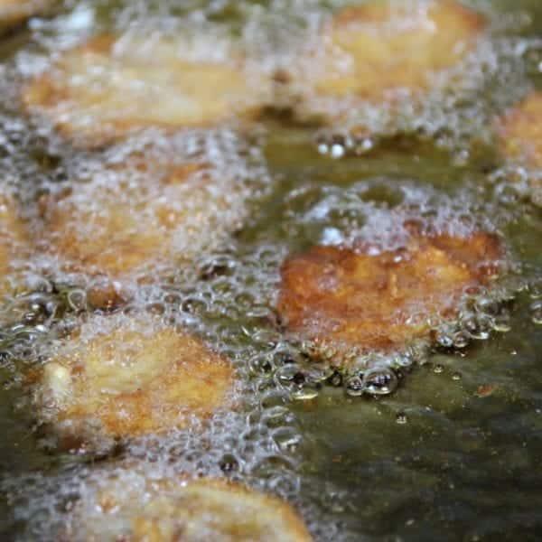 Rezept-Video für Kartoffelschnitzel - Kartoffelscheiben mit Panade frittieren | Entdeckermagazin Miomente