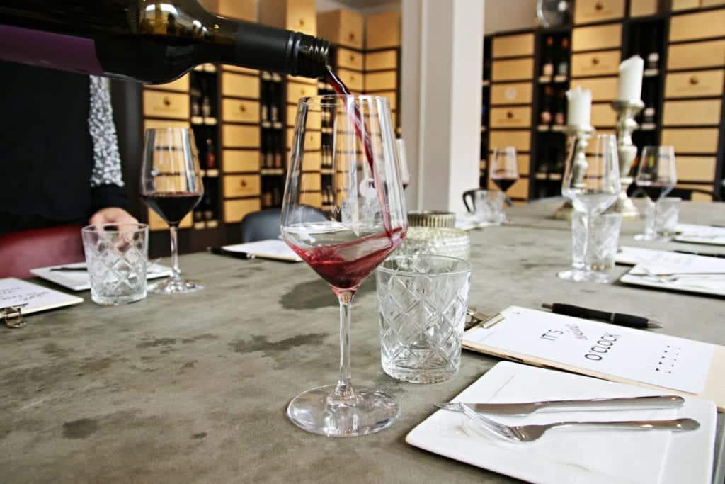 Wie verkoste ich Wein richtig? Interview Wein-Moment | Entdeckermagazin Miomente