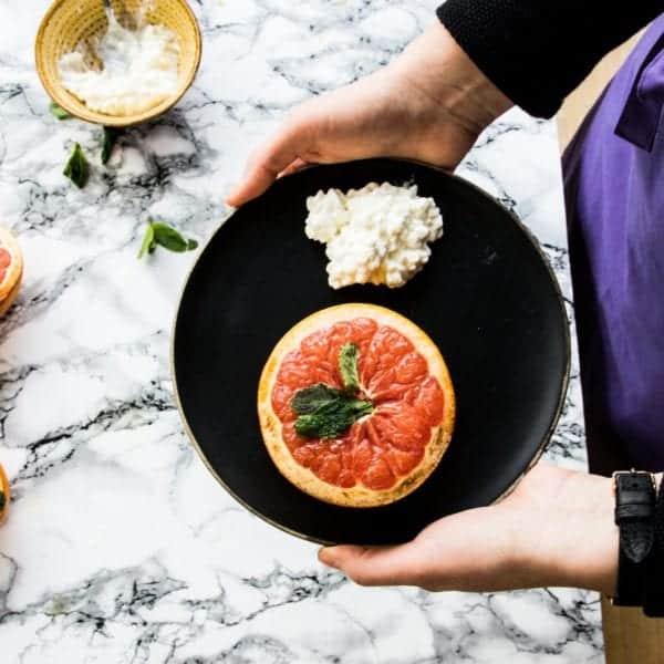 Gratinierte Grapefruit mit Frischkäse | Rezept-Video | Entdeckermagazin Miomente