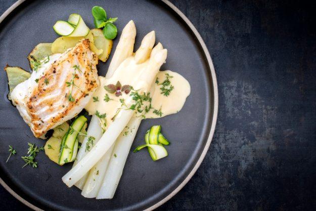Saisonaler Kochkurs Köln – Spargel mit Fisch