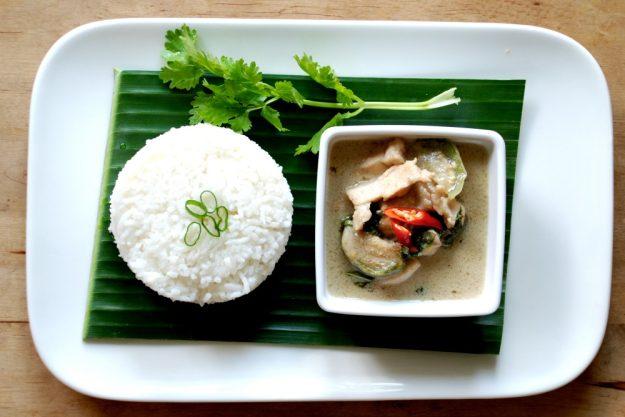 Thai-Kochkurs Köln – Gaeng Khew Wan
