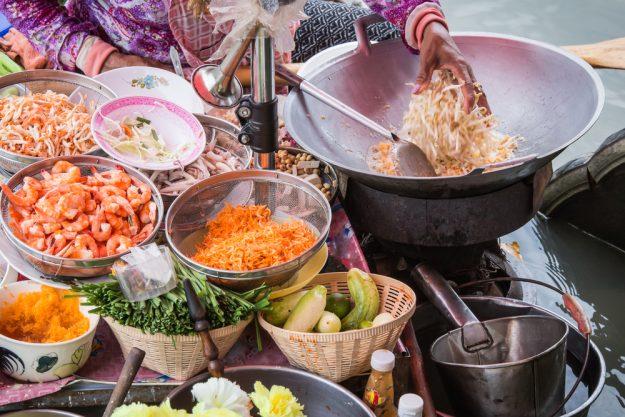 Thai-Kochkurs Köln – Garküche in Thailand