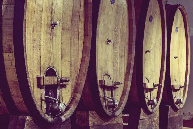 Whisky-Tasting Köln –Whisky-Fässer im Keller