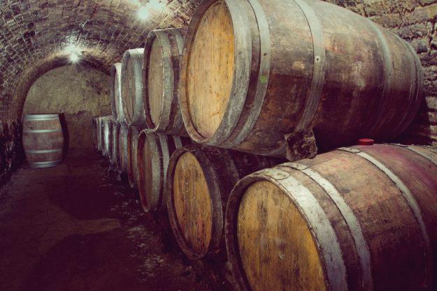 Whisky-Tasting Köln –Whisky Fässer im Keller