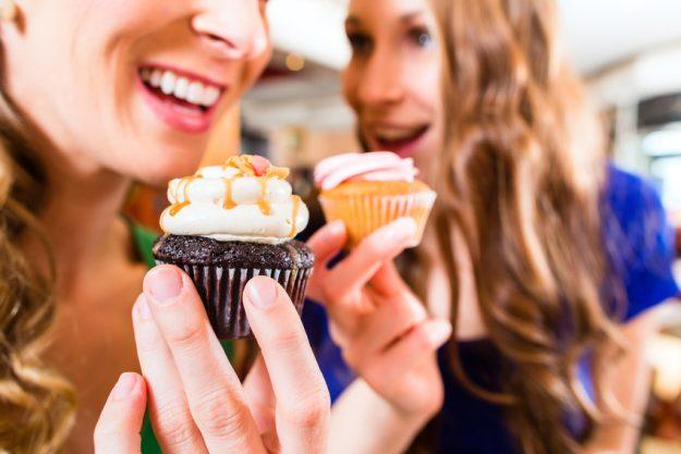 Cupcake-Kurs Frankfurt am Main - Freundinnen genießen Cupcakes