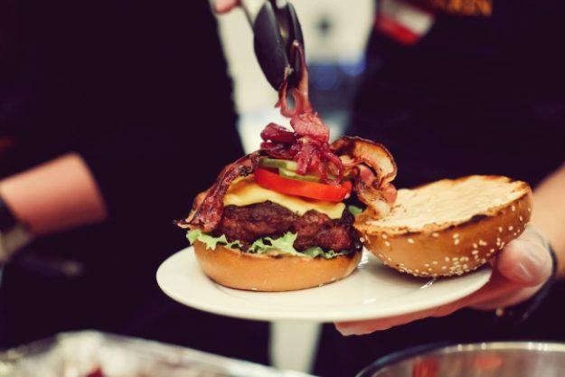 Grillkurs-Gutschein –Saftige Burger grillen