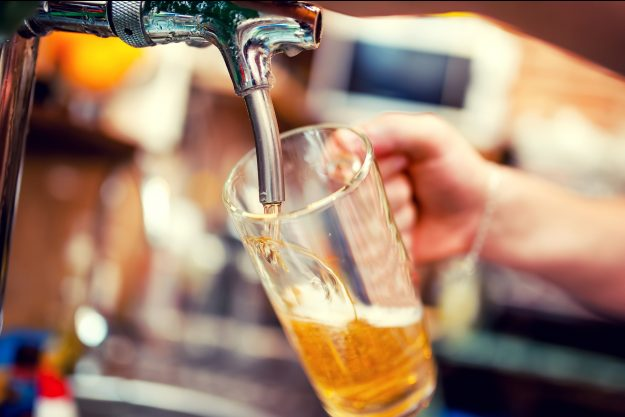 Geschenkgutschein Bierprobe – Bier zapfen