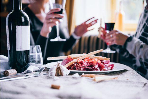 Italienischer Kochkurs Frankfurt – Wein und Salami