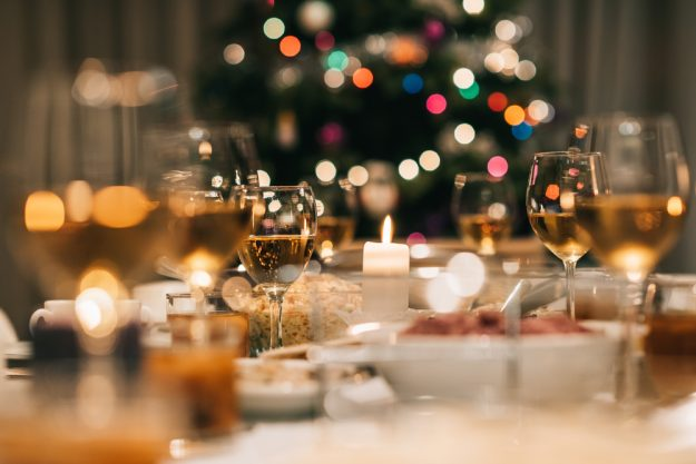 Weihnachtsfeier in Bad Nauheim – festlich gedeckte Tafel