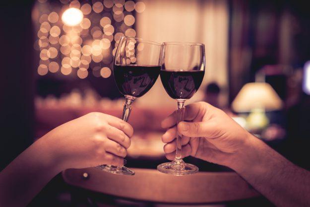 Weihnachtsfeier in Bad Nauheim – mit Wein anstoßen