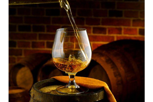 Whisky-Tasting Frankfurt - Whisky eingiessen