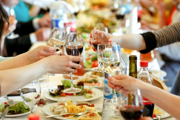 Geschenkgutschein Kulinarische Stadtführung – Storyteller