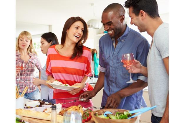 Küchenparty mit Kollegen