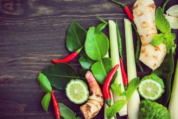 Asia-Kochkurs-Gutschein –Zitronengras, Chili, Limetten, Ingwer und andere Gewürze