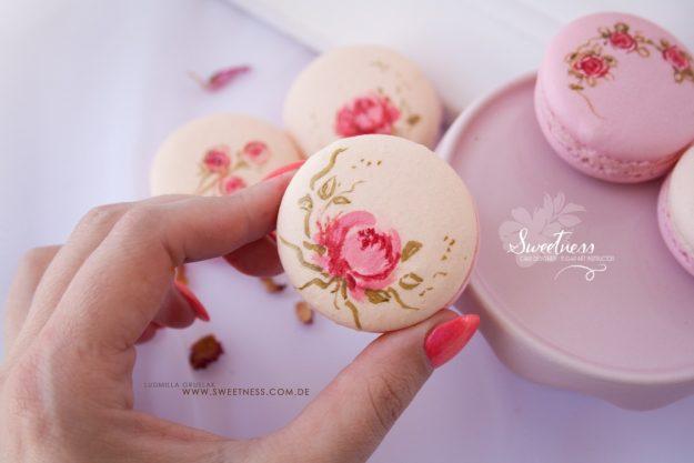 Macarons-Backkurs Merzen – Macaron in der Hand