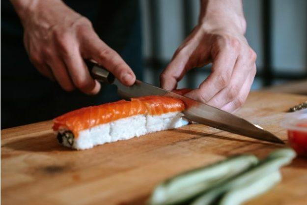 Online Kochkurs Sushi Sushi richtig schneiden