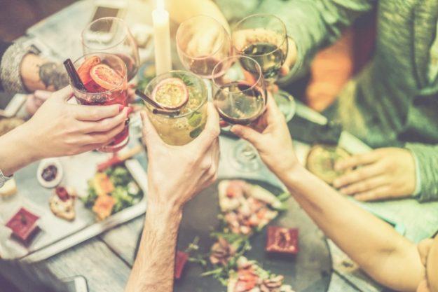 Cocktailkurs-Gutschein –Anstoßen bei einem Miomente-Cocktailkurs